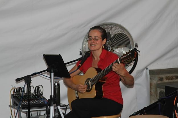 Guitarist and lead singer of El Trio Crisol